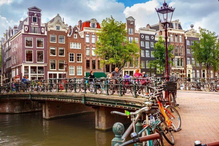 Amsterdam (InFact)